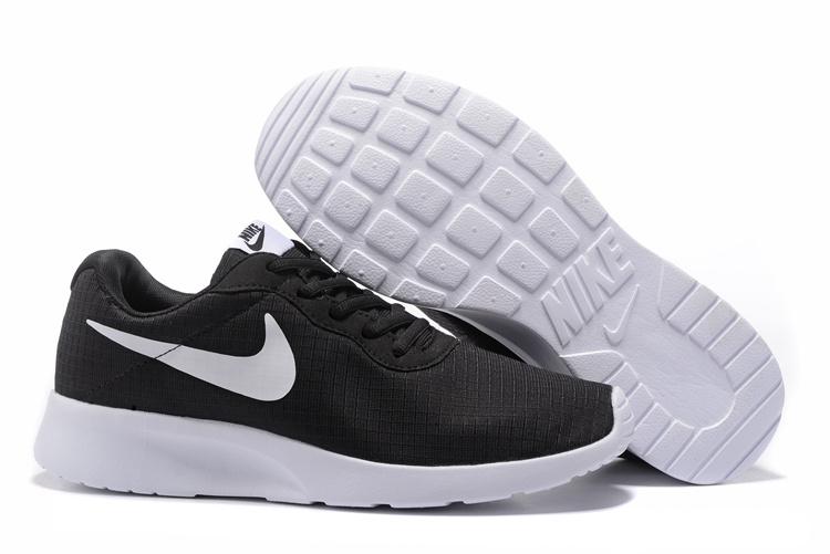 utilisation durable super service matériau sélectionné chaussure nike Tanjun run pas cher,nike tanjun femme noir et ...