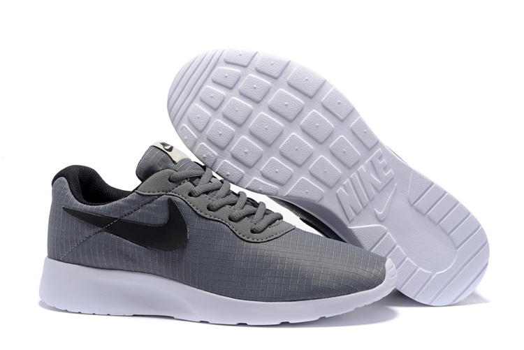 the latest e259d 2eec5 chaussures nike Tanjun run,nike tanjun homme gris et noir