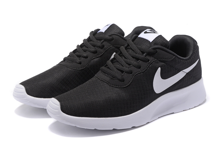 premium selection 5c77b 6efd4 chaussures nike Tanjun run pas cher,nike tanjun homme noir et blanche - s5